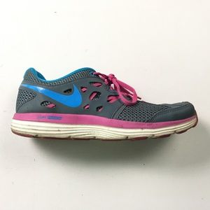 Nike Womens Gray Sneakers 9.5 B45:x01903